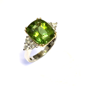 18ct Peridot & Diamond Ring