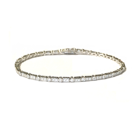 18ct White Gold Millegrain Set Diamond Bracelet