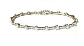 18ct White Gold Diamond Set Bracelet
