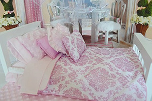 PINK DAMASK QUILT AND BEDDING SET