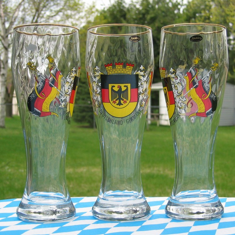 german wheat beer glasses 0 5l german crest and flag. Black Bedroom Furniture Sets. Home Design Ideas