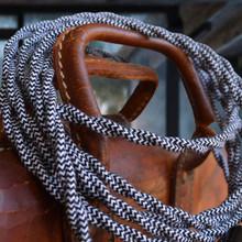 Tuxedo Vintage Wire