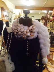 Signature Paris Montana multi-layered pearl collar necklace