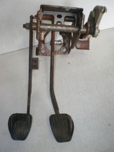 1992 Ford F250 >> 1996-1998 Ford Mustang Automatic Brake Pedal Assembly & Hanger