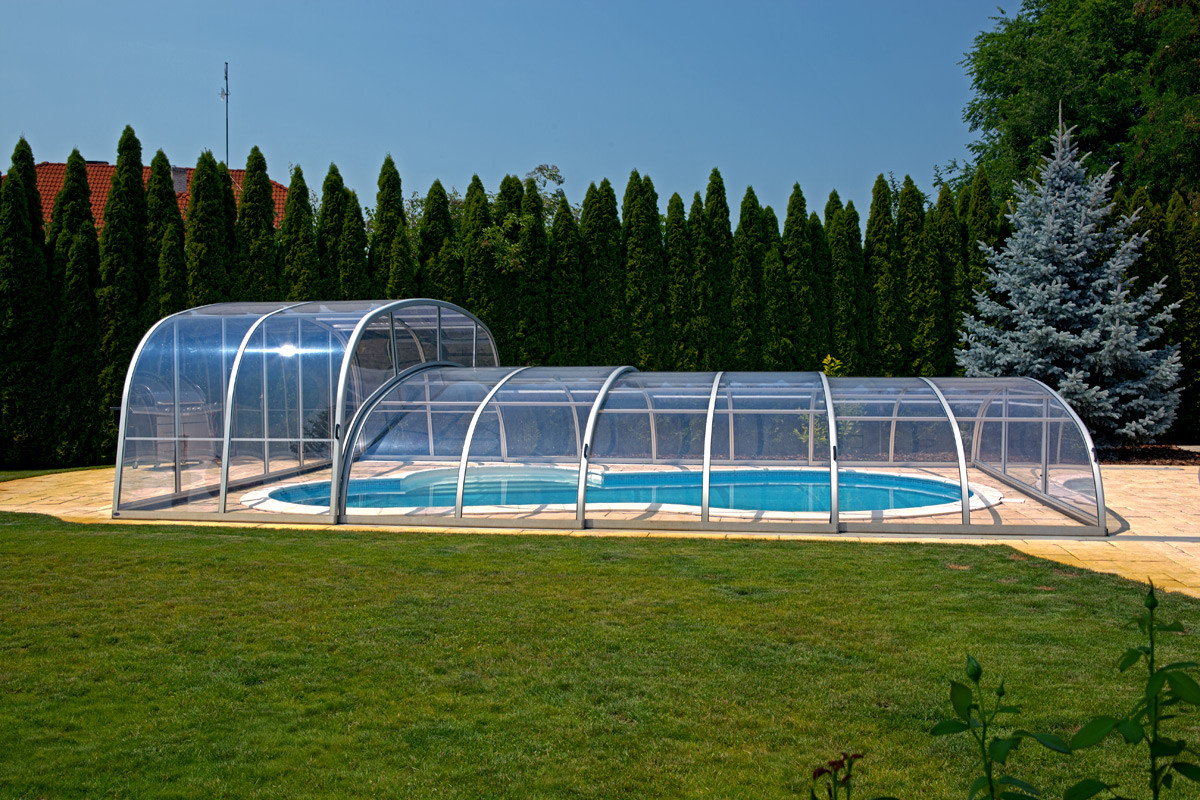 Lok Raised Front Telescopic Swimming Pool Enclosure