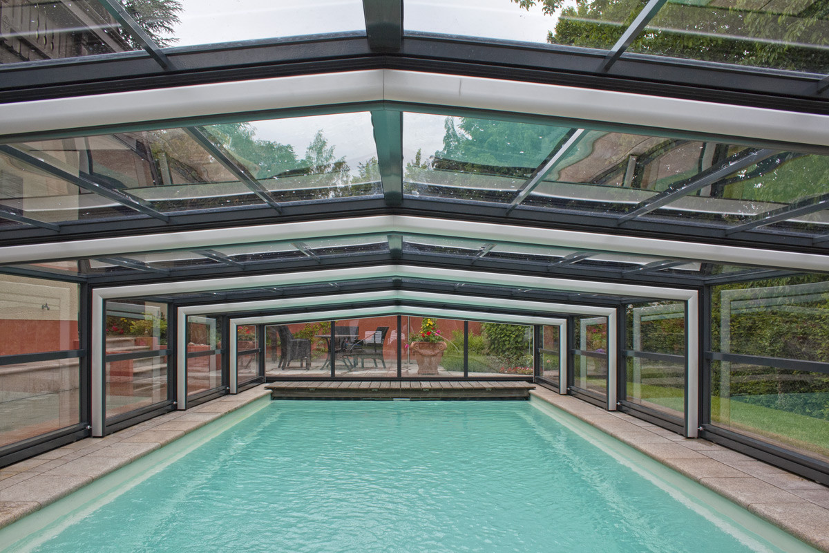 Orion Wide And Tall Telescopic Retractable Swimming Pool