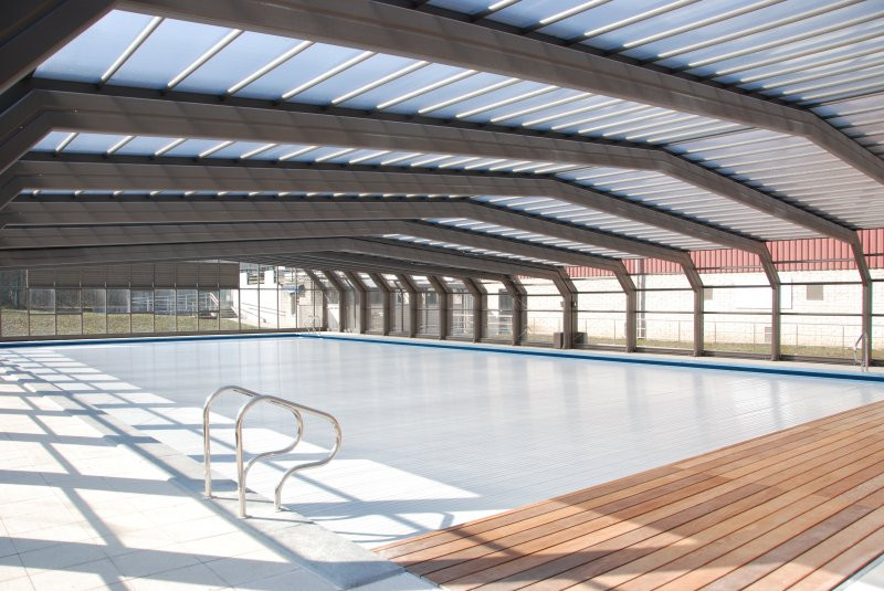 Extra large telescopic commercial pool restaurant extension retractable enclosures Retractable swimming pool enclosures