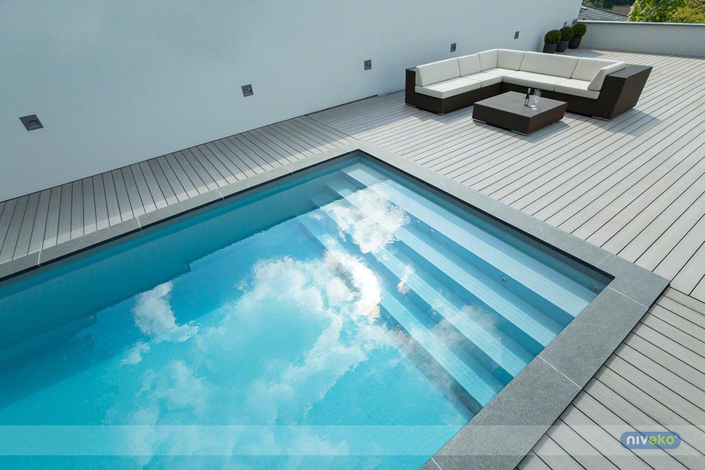 Niveko one piece swimming pools for Gartenpool 10m