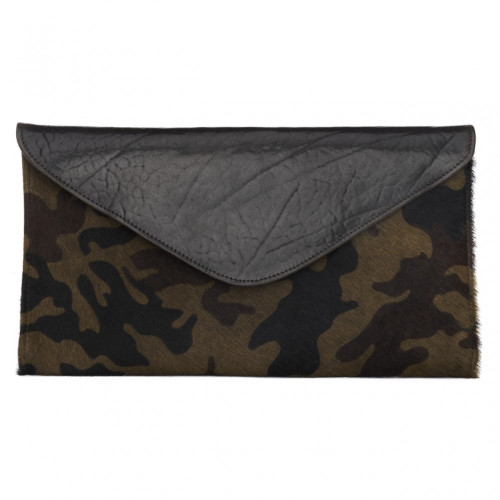 Chapa leather clutch in hairy camouflage