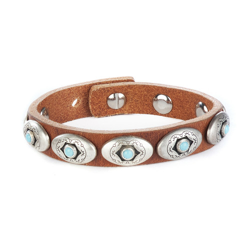Vali studded cuff in brandy