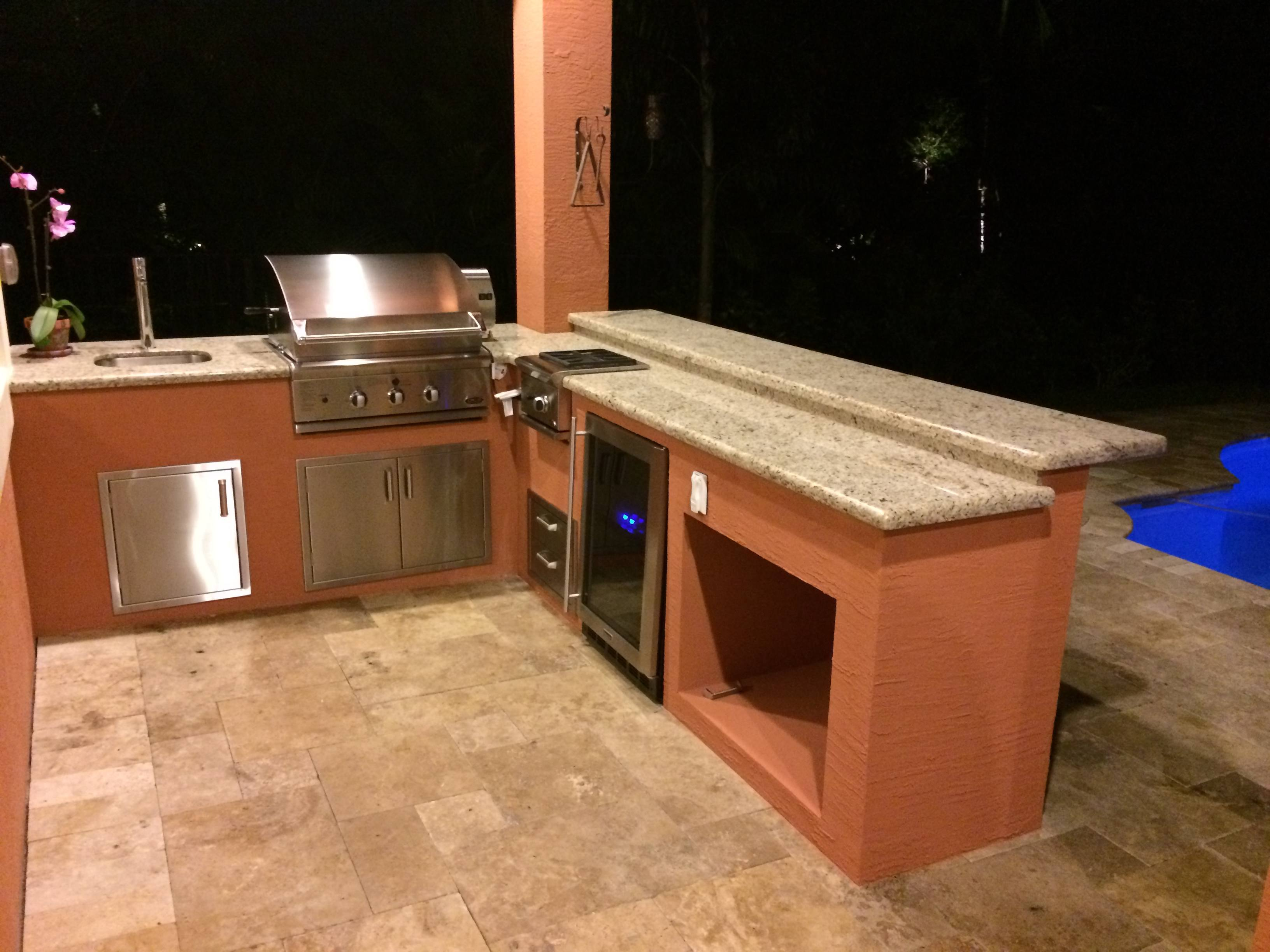 Dcs And Lynx Sedona Outdoor Kitchens