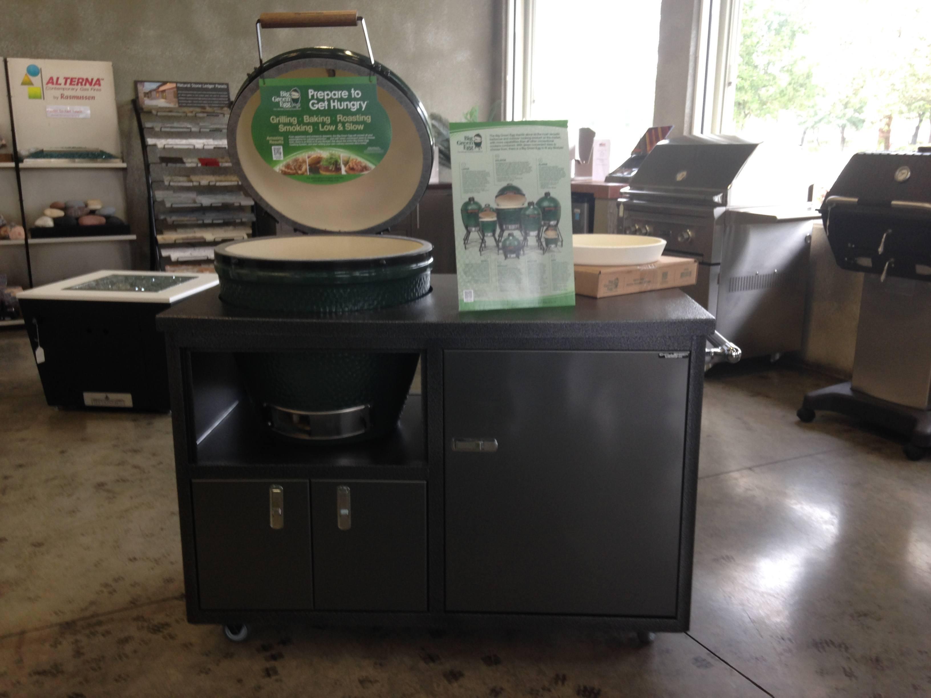 Large Big Green Egg in Challenger Cabinet