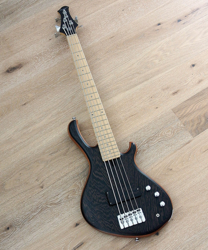 MENSINGER CAZPAR 5a - Active 5 String Short Scale Bass - Wenge Top