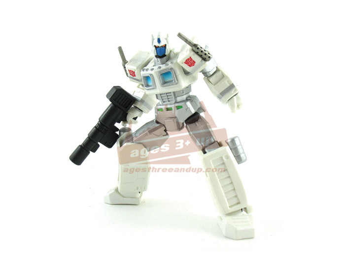 Revoltech 019 - G1 Ultra Magnus Action Figure