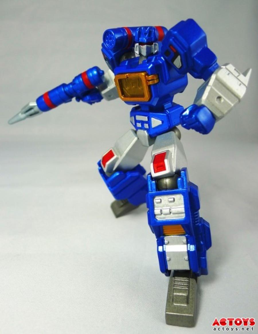 Custom Robots - Revoltech Soundwave