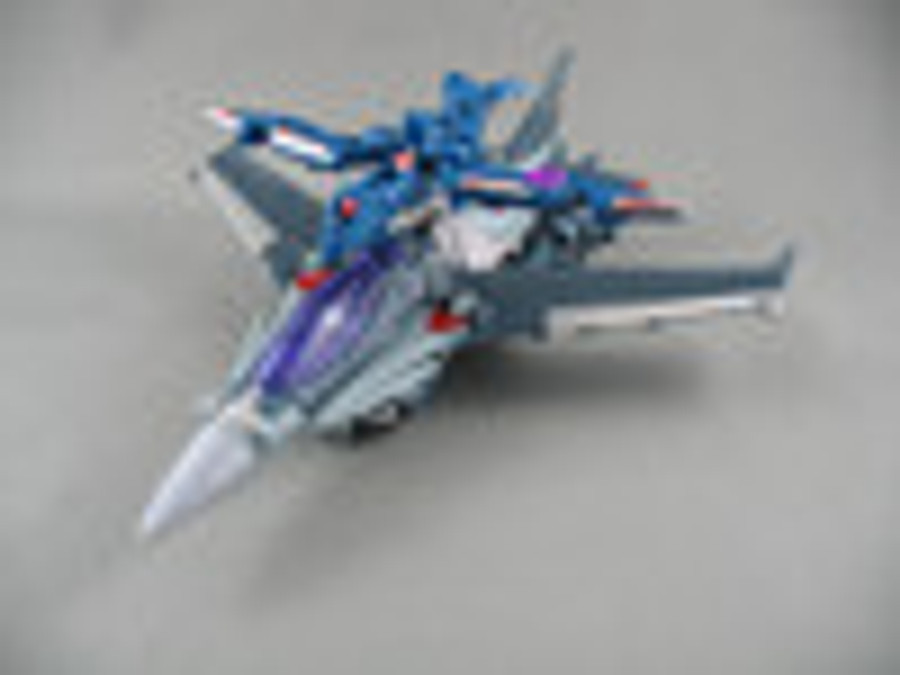 AM-07 Voyager Starscream with Micron Arms