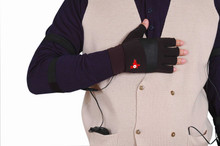 Battery Heated Glove Liners (Includes AC Charger, 2 Batteries)