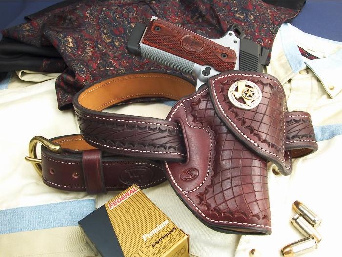 handgunner002med.jpg