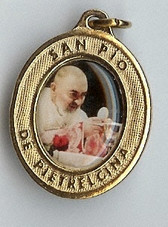 Padre Pio Consecrating the Host - Picture 3