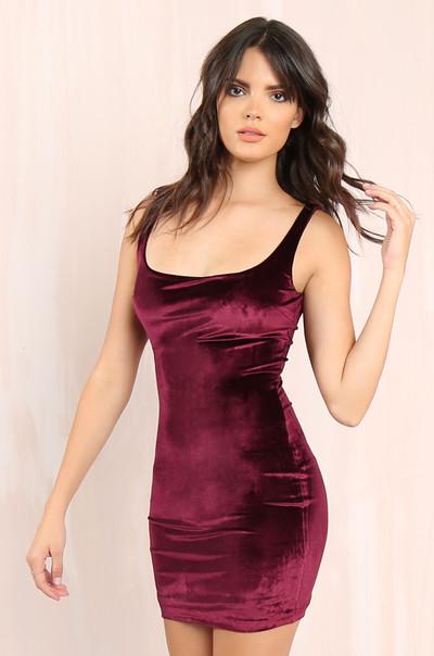 Sleek Touch Dress - Wine Velvet