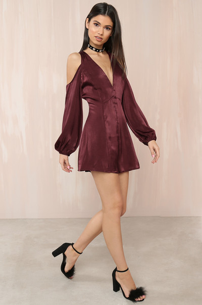 Eyes On You Romper - Wine