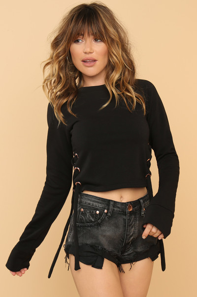 Hey Shawty Cropped Sweater - Black