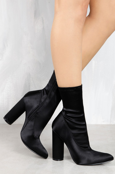 Luxe Edge - Black Satin