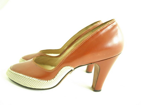 Vintage Johansen Brown Mesh Pump