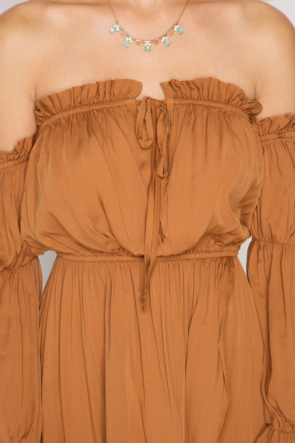 CARAMEL LONG SLEEVE OFF SHOULDER MAXI DRESS