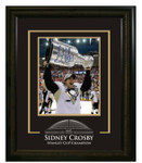 Sidney Crosby Autographed Pittsburgh Penquins 8x10 with Etched Mat