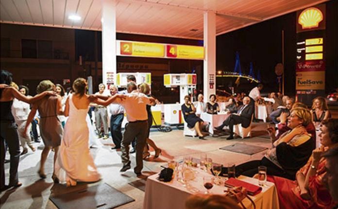 big-fat-greek-wedding-7.jpg