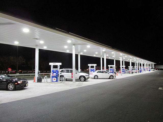 mobil-station-on-the-way-home-from-philadelphia-pa.jpg