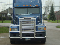 Freightliner FLD 120 Full Bar Rig Guard