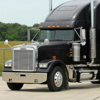 """Freightliner Classic & Cabover Chrome 16"""" Standard Tapered Bumper On Truck"""