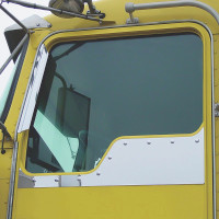 Kenworth Daylite Door Straight Bottom Under Window Trims With Dimples