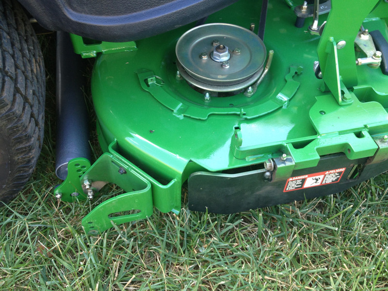 "Lawn Striping Kit for John Deere 960R with 60"" 7-Iron Deck, model year 2016"