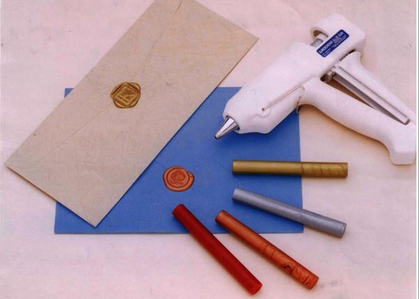 Dual Temperature Glue Gun for Sealing Wax