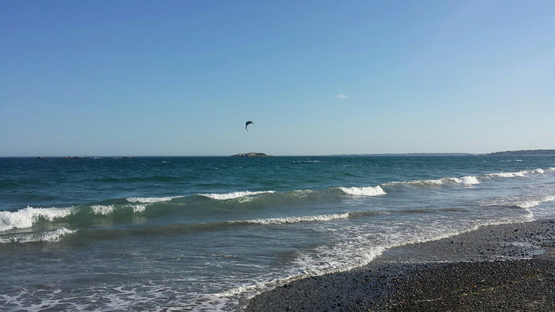 beachkitesurfers.jpg