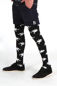 Street / fashion styling suggestion for wearing Emilio Cavallini's All Over Frogs male tights / mantyhose / pantyhose for men.