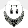 Beautiful black necklace set intertwined with large and small stones.