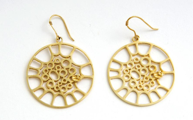 Classic Tenor Hoop Earrings - Gold