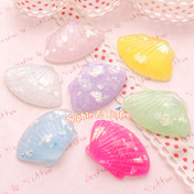 Holographic Seashell Cabochon - 7 pieces