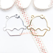 Cupcake Open Bezel Charm - 3 pieces