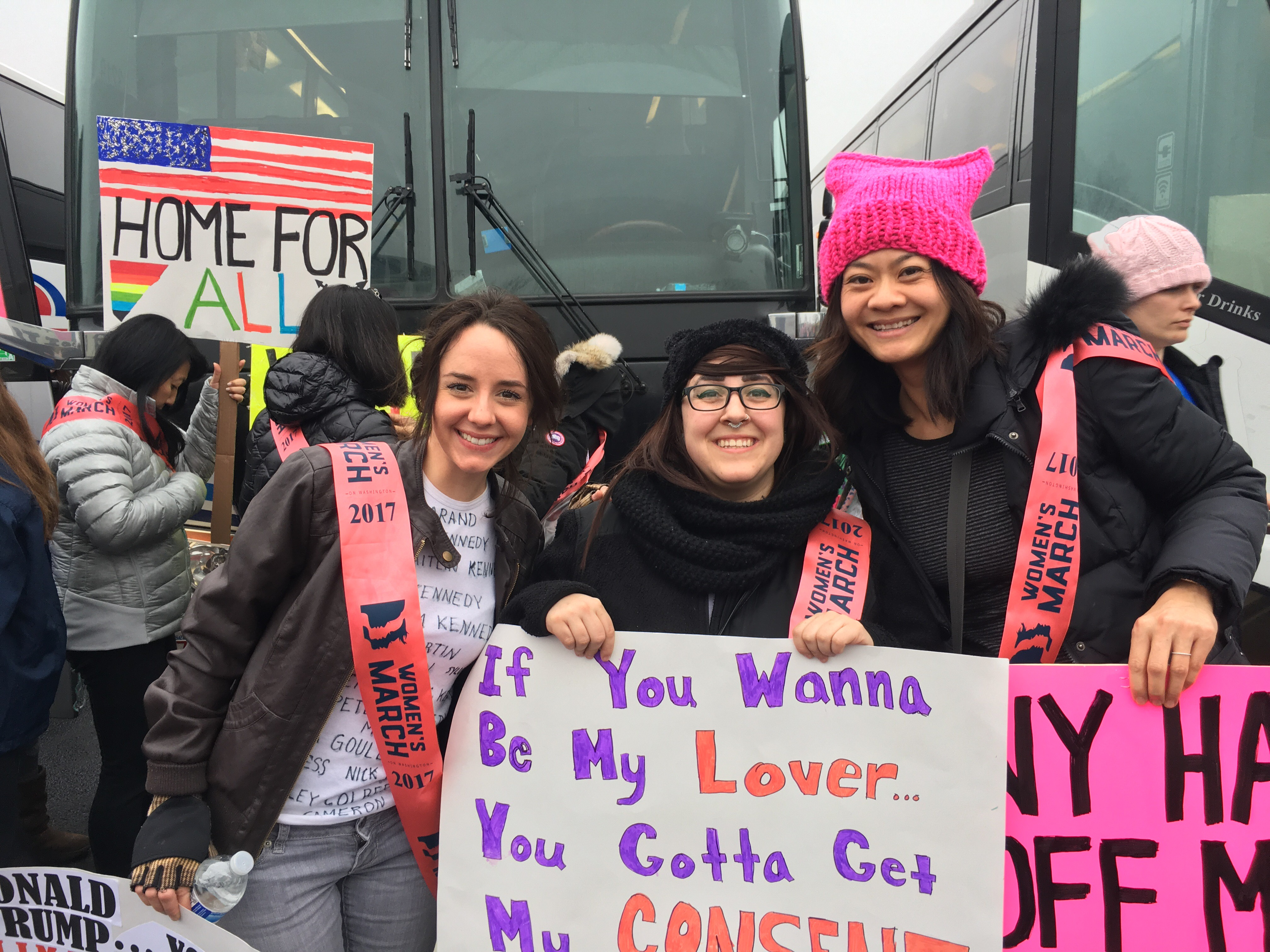 women-s-march-on-washington-2017-sashes.-signs-of-women-expressing-themselves-with-smiles-on-their-faces-.jpg