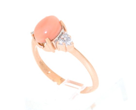 14K Yellow Gold Diamond and Oval Coral Gemstone Ring
