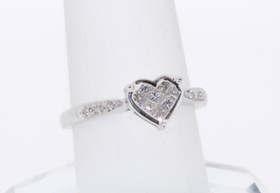 14K White Gold Heart Diamond Ring 11000931