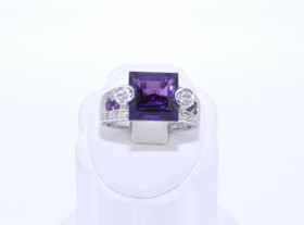12001889 14K White Gold Amethyst Diamond Ring