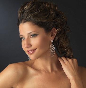 8629-earrings-omn-model.png