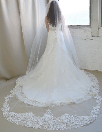 extra-width-wedding-veils.png