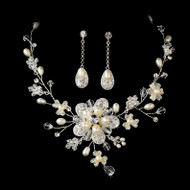 Stunning Freshwater Pearl and Crystal Bridal Jewelry Set